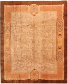 View this beautiful gold background antique Chinese Ningsia rug from Nazmiyal's fine antique rugs and decorative carpet collection. Chinese Design, Chinese Art, Art Deco Rugs, Carpets Online, Gold Background, Floral Motif, Oriental Rug, Vintage Rugs, Area Rugs
