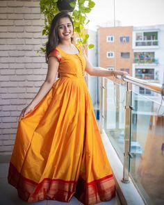 Simple Gown Design, Long Gown Design, Silk Dress Design, Girls Frock Design, Cotton Long Dress, Long Gown Dress, Saree Dress, Long Gowns, Long Frock