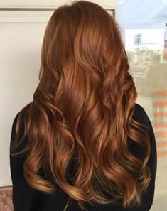 Long Wavy Copper Hairstyle Hair Color Ideas For Brunettes Balayage, Curly Hair Styles, Brown Blonde Hair, Orange Brown Hair, Hair Color Copper Brown, Brown Curls, Reddish Brown Hair, Copper Hair Colors, Copper Ombre