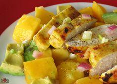 L'huile de sésame grillée ajoute une touche orientale et une saveur de noisette à cette salade, mais il vaut mieux l'utiliser avec modération.