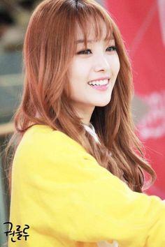 """Song Jieun """" Fansign  Pretty Age 25"""""""