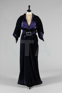 Gown 1911, Made of velvet, satin, and lace
