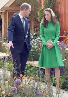 Prince William, Duke of Cambridge and Catherine, Duchess of Cambridge attend the Chelsea Flower Show at Royal Hospital Chelsea on May 23, 2016 in London, England.