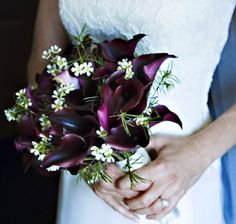 Purple Calla Lily Wedding Bouquet | Friendship & Love: Seasonal Flowers for Weddings!
