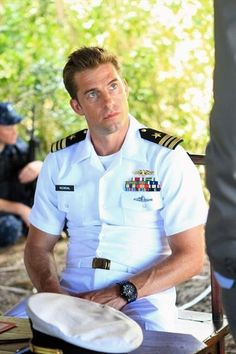 Scott Speedman - Pictures, Photos & Images - IMDb What man isn't sexy in a uniform.... Scott is all sexy to me
