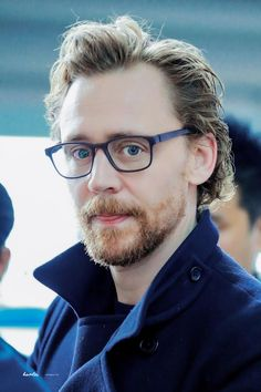 #TomHiddleston at the Incheon International Airport in Seoul, South Korea, on April 13, 2018. Source: http://overseashunter.tistory.com/m/141?category=679999 #Loki #Avengers: #InfinityWar