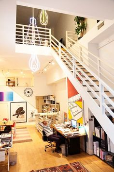 Home-Studio of Jeff Halmos and Sam Shipley. New York design Home Interior Design, Interior Architecture, Interior And Exterior, Interior Decorating, Loft Studio, Studio Spaces, Studio Setup, Creative Home, Creative People