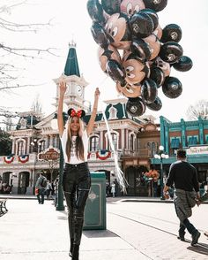 If you can dream it, yo can do it. Walt Disney World, Disney Day, Disney Love, Disney Magic, Disney Parks, Disney Style, Disneyland Paris, Disneyland Photos, Disneyland Outfits
