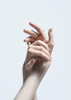 Agata Bielen   Acessórios Hand Photography, Jewelry Photography, Fashion Photography, Jewelry Model, Photo Jewelry, Jewelry Designer, Hand Pose, Hand Reference, Jewelry Editorial