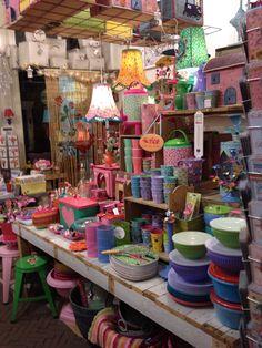 Kunst & Klieder - Kleurrijke winkel in de Sassenstraat in Zwolle. Met oa de merken: Rice, Pip Studio, Kitch Kitchen, STAMPS, House Docter, Klevering.