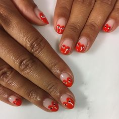 100 Most Beautiful Short Nails Designs for 2019 While some women like their nails to be long, the others find short nails practical. Check most stunning short nails designs for your inspiration. Minimalist Nails, Diy Nail Designs, Short Nail Designs, Art Designs, Design Art, How To Do Nails, My Nails, Nail Design Glitter, Glitter Nails