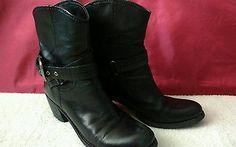 Nine West Black Leather Boots Womens Sz 10 M Motorcyle Biker Heels Buckle Strap