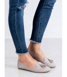 Queen's gray lords are a timeless product that will appeal to every woman who values classic fashion solutions. Shoes are great both in combination with pants and dresses. Types Of Heels, Artificial Leather, Loafers For Women, Suede Leather, Moccasins, Classic Style, Tassels, Lord, Queen