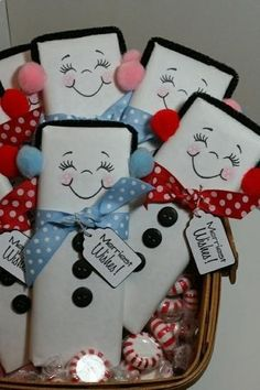 DIY xmas gifts - full sized chocolate bar with white wrapping paper and draw on the faces. For the earmuffs, use a black pipe cleaner and pom poms. Use buttons or black puffy paint and a cute ribbon and tag to complete the look. Christmas Favors, Noel Christmas, Christmas Goodies, All Things Christmas, Winter Christmas, Christmas Decorations, Christmas Wrapping, Christmas Ideas, Christmas Ornaments
