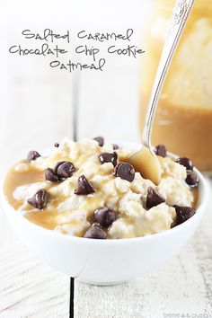 Creamy chocolate chip cookie flavored oatmeal topped with chocolate chips and salted caramel!