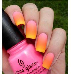 Neonowy manicure ombre - super pomysły na kolorowe paznokcie