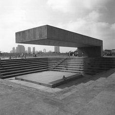 Villa-Lobos Park, Sao Paulo, Brazil. Architect Decio Tozzi. P0445