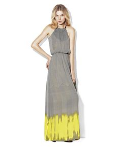 It's important to pack light for a vacation- this elegant maxi is casual enough for daytime wear, yet elegant enough to wear into the night. Accessories will transform this maxi for a more glamorous night time appearance. #VinceCamuto #maxi
