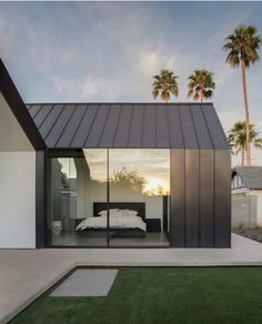 Modern Home Addition Extends out in Two Open Rooms The two spaces added to the back of this home in Phoenix seem to mirror one another on the outside. This modern home addition by Chen +. Residential Architecture, Interior Architecture, Garden Architecture, Architecture Details, Zinc Roof, Metal Facade, Metal Roof, Design Exterior, Modern Exterior