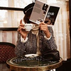 Tweed jacket with cream turtleneck. French girl style at a cafe. Audrey Leighton Rogers' coffee break at Cafe de Flore in Paris, France Anais Nin, Parisian Style Fashion, Parisian Chic, Book Photography, Fashion Photography, Classy Photography, Photography Lessons, Photography Women, Vintage Photography