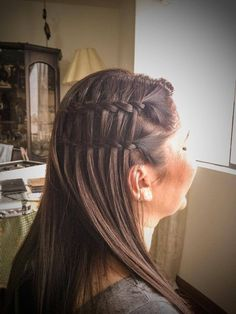 Trenza cascada Double Waterfall Braids, Dreadlocks, Hairstyles, Facebook, Beauty, Twitter, Fashion, Beauty Tips, Waterfall Plait