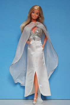 "Barbie Superstar in ""Fabulous Gown for Nights on the Town!"" GUAG#2304 (1978-79)"