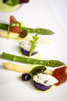 Head Chef Lionel Rodriguez offers a creative cuisine combining Mediterranean tastes to local products, healthy and gourmet options. Local Products, Panna Cotta, Restaurant, Healthy, Ethnic Recipes, Creative, Food, Gourmet, Kitchens