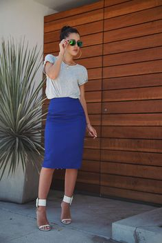 a tee and pencil skirt - nothin bettter