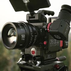 Lovely glass Sigma cine prime Red | Photo by @tobi_dop