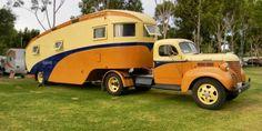 Vintage RV: Old RV 5th Wheel
