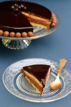 Entremets au caramel et chocolat Egg Yolk Recipes, Cheesecakes, Panna Cotta, Recipies, Ethnic Recipes, Diners, Food, Hui, Inspiration