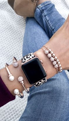 A Guide to Select the most effective Omega Watches Retailer Near You - Just Watches Cute Apple Watch Bands, Apple Watch Bands Fashion, Apple Watch Bracelets, Apple Watch Leather Band, Apple Watch Accessories, Fashion Accessories, Fashion Jewelry, Smartwatch, Iphone Watch Bands