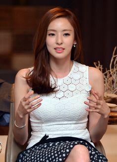 이다희, KBS2 '연예가중계' 새 MC 발탁
