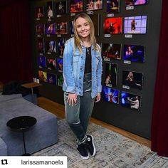 "1,064 Likes, 11 Comments - Roberta Gasparini Stylist (@robertagasparini) on Instagram: ""Capa toda teen desse mês !! Com a mini mais linda @larissamanoela styling meu @robertagasparini…"""