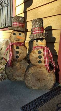 I can make this diy woodworking gifts Wooden snowmen teds-woodworking…. I can make this diy woodworking gifts Wooden snowmen Snowman Christmas Decorations, Christmas Wood Crafts, Christmas Snowman, Rustic Christmas, Christmas Projects, Holiday Crafts, Christmas Ornaments, Diy Christmas, White Christmas
