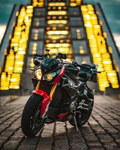 BMW S1000RR R65, Bmw S1000rr, Motos Bmw, Bmw Sport, Golf Bags, Sports, Bmw Motorcycles, Bikers, Hs Sports