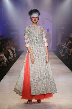 Anju Modi - Lakme Fashion Week Summer/Resort 2014. #LakmeFashionWeek #JabongLFW