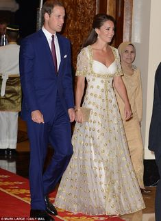 PHOTOS: Kate is Beautifully Dressed Yet Again! | Kate Middleton and Prince William Daily