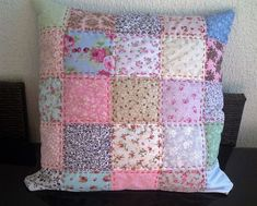 Patchwork Pillow - idea only Patchwork Cushion, Patchwork Bags, Quilted Pillow, Diy Pillow Covers, Cushion Covers, Sewing Crafts, Sewing Projects, Postage Stamp Quilt, Towel Crafts