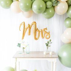 Bridal Shower Balloons, Bridal Shower Backdrop, Bridal Shower Party, Themed Bridal Showers, Wedding Showers, Wedding Shower Decorations, Bachelorette Party Decorations, Garland Wedding, Lingerie Party Decorations