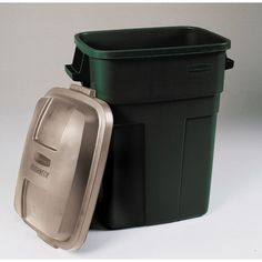 rubbermaid roughneck 30 gallon trash container outdoor trash cans lids u0026 carts ace hardware