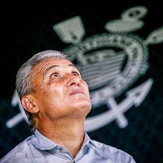 Tite elogia Corinthians e diz: 'técnico não manda recuar'
