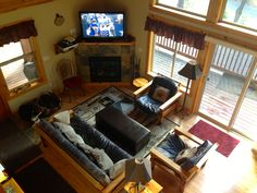 Enjoy Directv (Entertainment Pkg), watching DVD or VHS movies. Stream Netflix or Pandora. The cabin also includes a library of movies, books, and games.