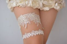 off white bridal garter,off  white lace garter, wedding garter set, bride garter,vintage garter, beaded garter,garters for wedding