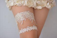 off white bridal garter,off  white lace garter, wedding garter set, bride…