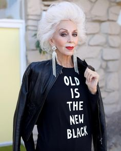 "Our ""Old Is The New Black"" t-shirts are now available in black just in time for the holidays. To order check the link in bio ☝️️. Thanks to the always stunning @colleen_heidemann for modeling for us. Cc: @fannykarst  http://www.fannykarst.com/t-shirt-coll"