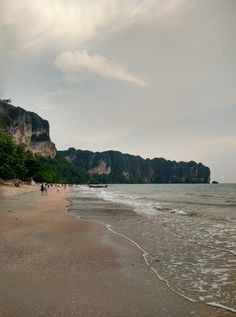 Ao Nang Beach (average beach) - Ao Nang, Thailand