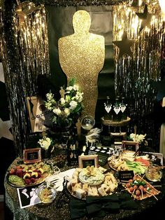 How to Throw an Oscars Party as Glamorous as the Awards Show Itself - A Roaring 20s' Themed Oscars Party from InStyle.com