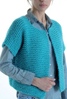 Women's pingo speed vest model Source by pauleja Free Knitting Patterns For Women, Poncho Knitting Patterns, Lace Knitting, Knit Cardigan Pattern, Knit Shrug, Knitted Poncho, Crochet Pattern, Sweater Vest Outfit, Loom Scarf