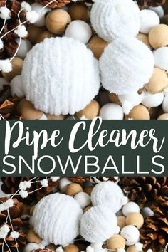Make these DIY snowballs with pipe cleaners! This easy to make craft is perfect for your winter home decor! decor diy DIY Snowballs Made with Pipe Cleaners Diy Home Crafts, Diy Crafts For Kids, Crafts To Sell, Decor Crafts, Holiday Crafts, Craft Ideas, Sell Diy, Decor Ideas, Holiday Decor